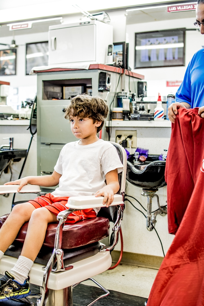 Capones-Barber-Shop-and-Shave-Lounge-6